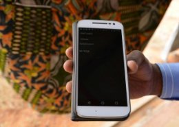 Western Union signs mobile money deal with Kenya's Safaricom
