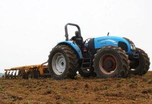 Tractor communications africa